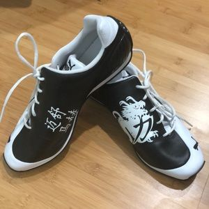 LIMITED EDITION Puma Sneakers